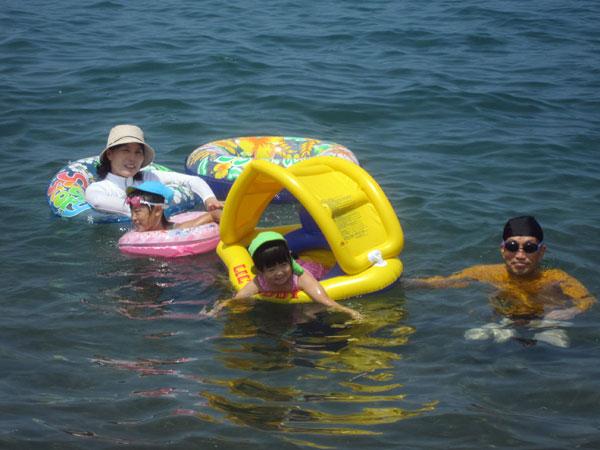 昨年の夏休み。今年も6日、7日は子どもたち二家族(孫5人)と海水浴の予定。晴れればいいが。