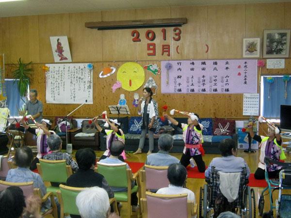 第3部は、銭太鼓のメンバーも衣装を替えて登場。銭太鼓と歌と太鼓で会場を盛り上げた。
