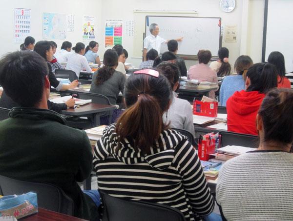 中国人研修生の前で講義。楽しい時間だ。
