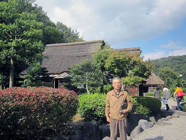 県内各地の民家が並ぶ『おさごえ民家園』。なつかしい風景であった。
