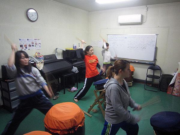 日曜日の出番に向けての和太鼓の練習。