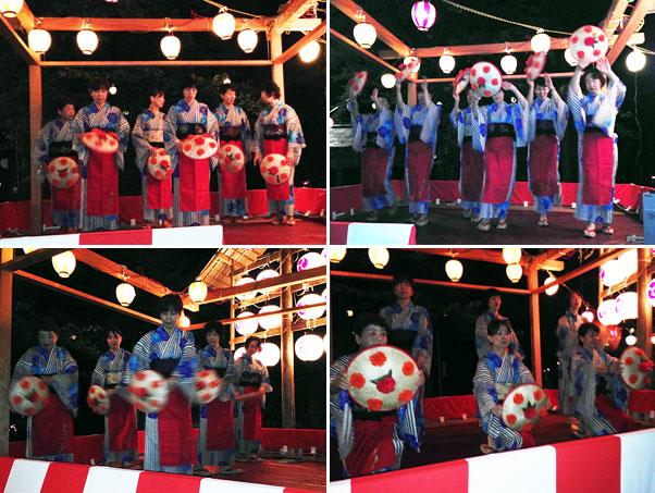 """全員踊りに先だって""""花笠音頭""""を披露してくれた村岡町の踊り隊『ひらり』の皆さん。"""
