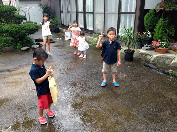 福井の孫達は、名残惜しそうにしながら帰って行った。