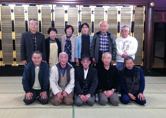 当番を務めた5班のメンバーと道場の僧侶M氏。