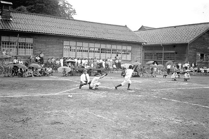 西小学校で行われた野球の試合。
