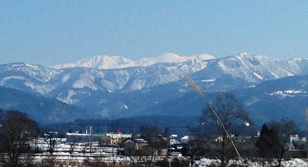 鹿谷小学校からの帰りに見た白山。とても神々しかった。